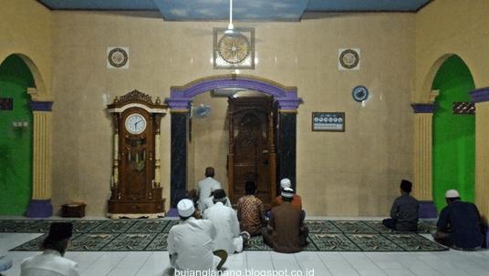 interior Masjid Jami' Darussalam Pisang Batu
