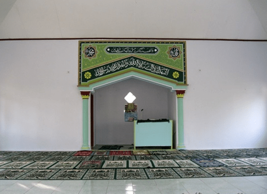 interior Masjid Jami' Nurul Iman Kampung Rukem