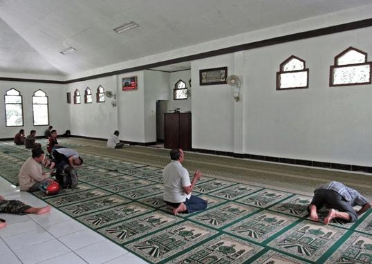 interior Masjid Kifayatul Abidin – Kebun Raya Bogor