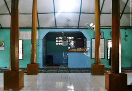 interior Masjid Tua Talang Menerai – Gelumbang