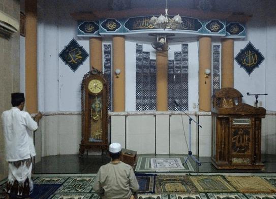 mimbar Masjdi Al-Barkah Pulokelapa