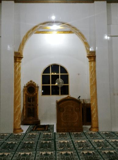 mimbar Masjid Jami' Al-Anam – Telukjambe, Karawang