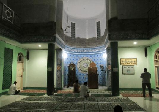 mimbar Masjid Jami' Al-Barokah Lamaran