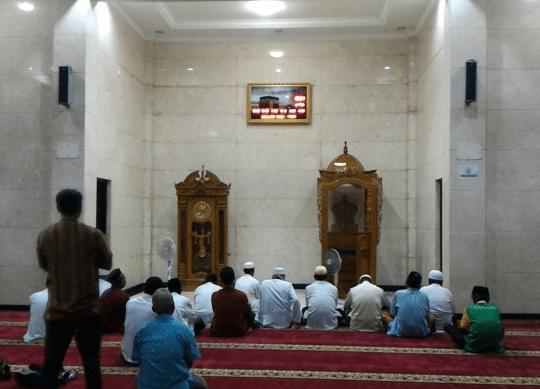 mimbar Masjid Jami' Halimatul Amin Cikarang Utara