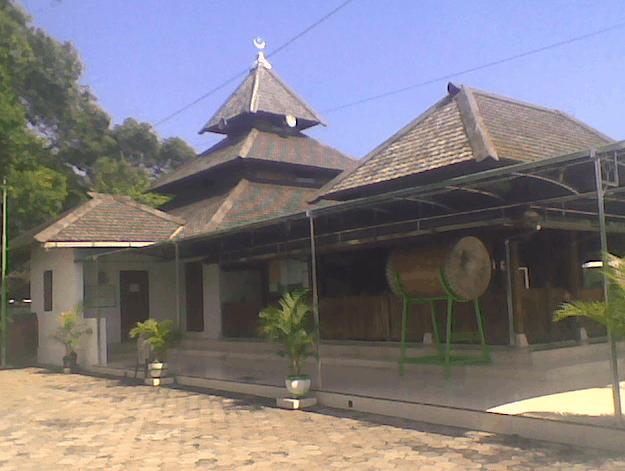 Masjid & Makam Kuno Taman