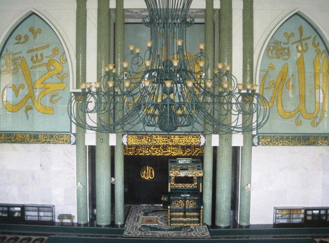 interior Masjid Agung Baiturrahman Banyuwangi
