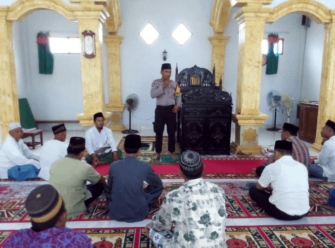 interior Masjid Babul Hasanah – Kayong Utara, Kalimantan Barat