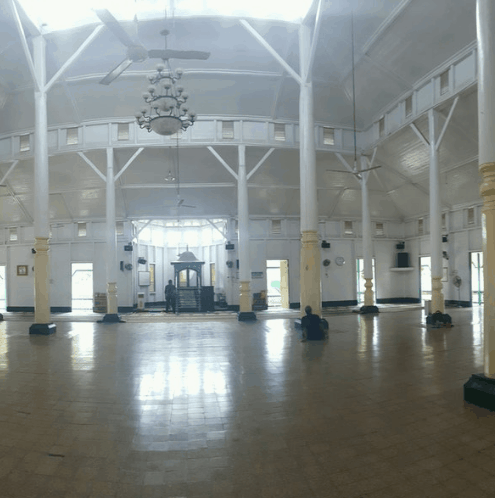 interior Masjid Jami' Adji Amir Hasanuddin – Tenggarong, Kutai Kartanegara, Kalimantan Timur
