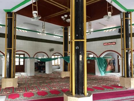 interior Masjid Kali Pasir