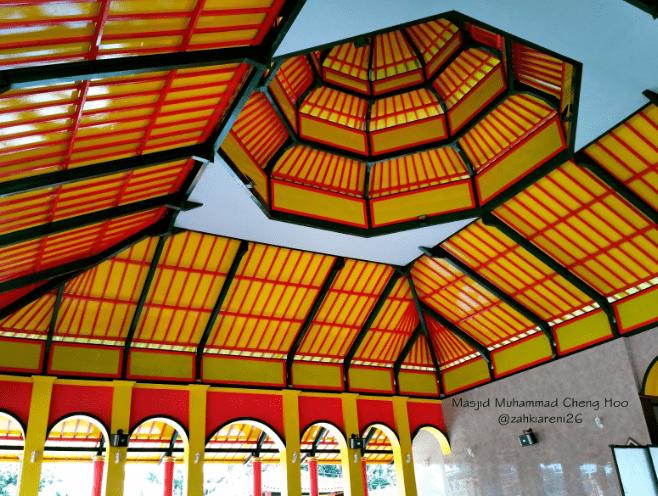 interior Masjid Muhammad Cheng Hoo Banyuwangi
