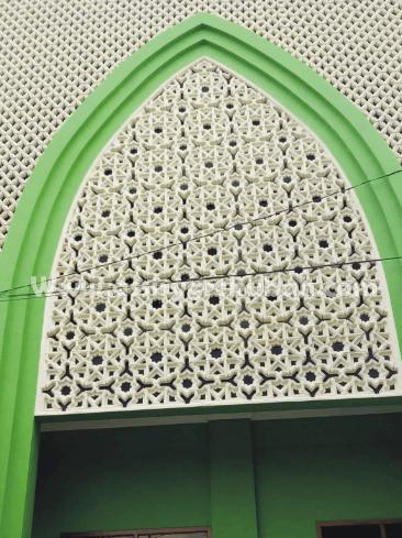 Ornamen Krawangan GRC Membuat Masjid Semakin Elegan
