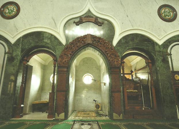 interior Masjid Jami' Kota Malang