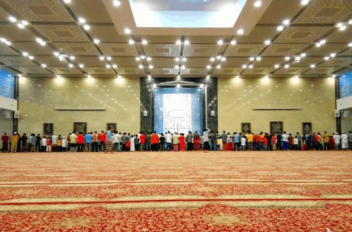 interior masjid namira